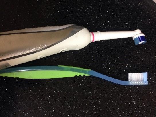 manual vs electric tooth brush