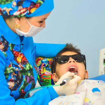 children-visiting-dentist
